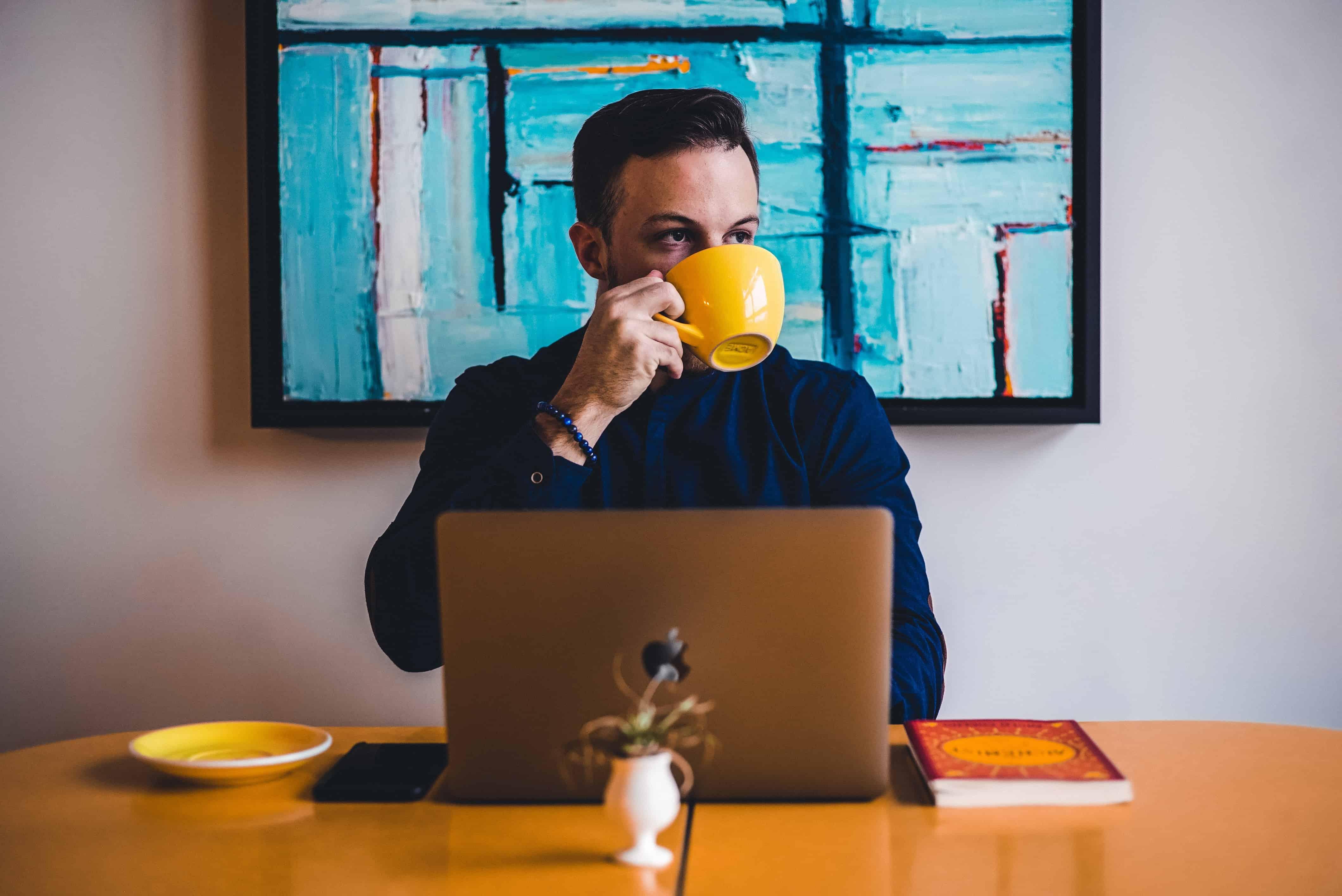 men-drinking-tea-cup-boss-jpg1548744861.jpg